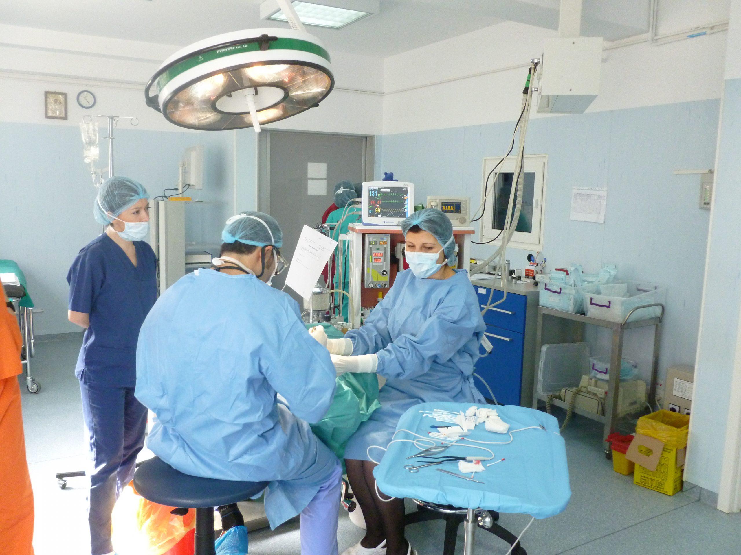 chirurgie miopiei congenitale)